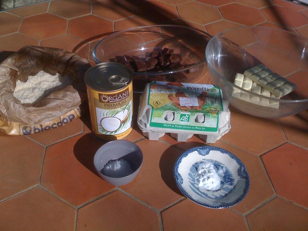 ingrédients pour gâteau sans gluten aux chocolats noir et blanc