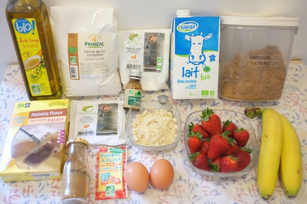 ingrédients pour les muffins sans gluten à la fraise et à la banane