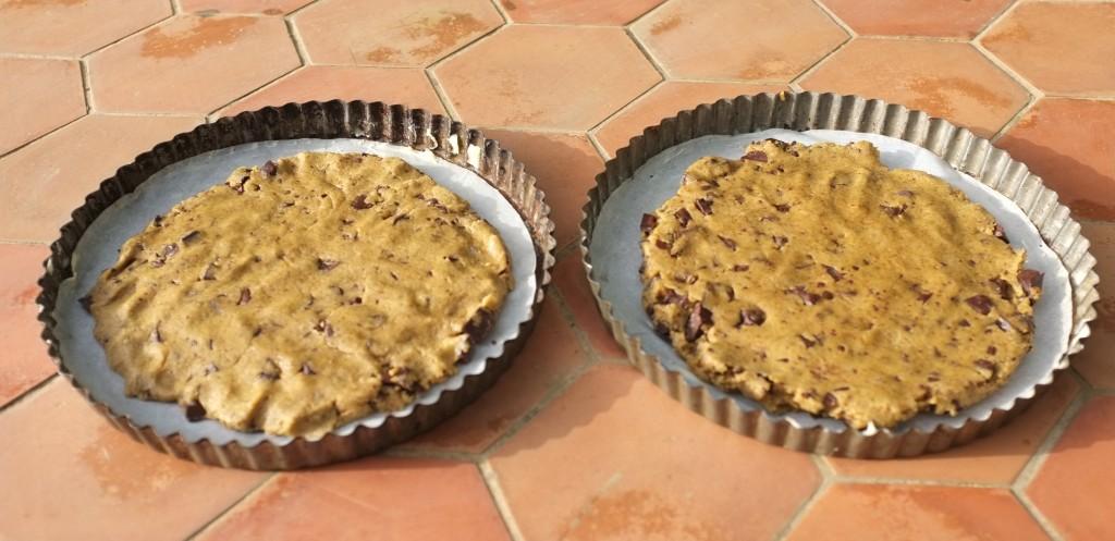 Les cookies géantes aux pépites de chocolat, avant d'être enfournés
