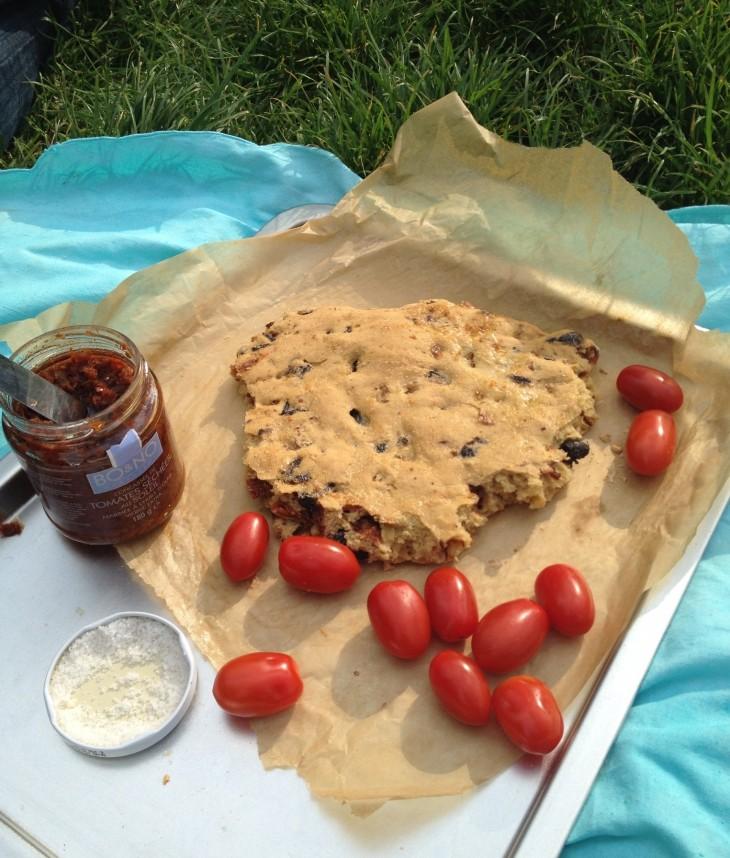Recette sans gluten de Foccacia aux olives noires et tomates séchées