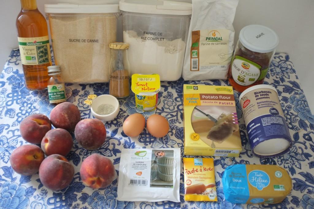 Les ingrédients pour le gâteau pêche cannelle