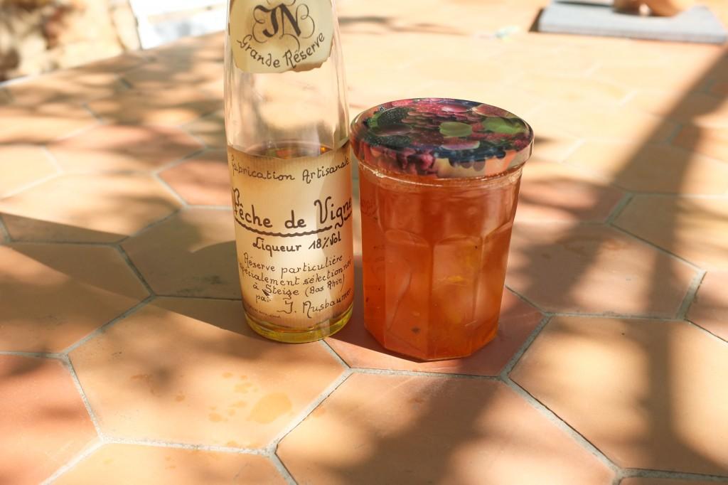 Les ingrédients pour la glaçage, liqueur et la marmelade d'orange maison de ma tante Marianne