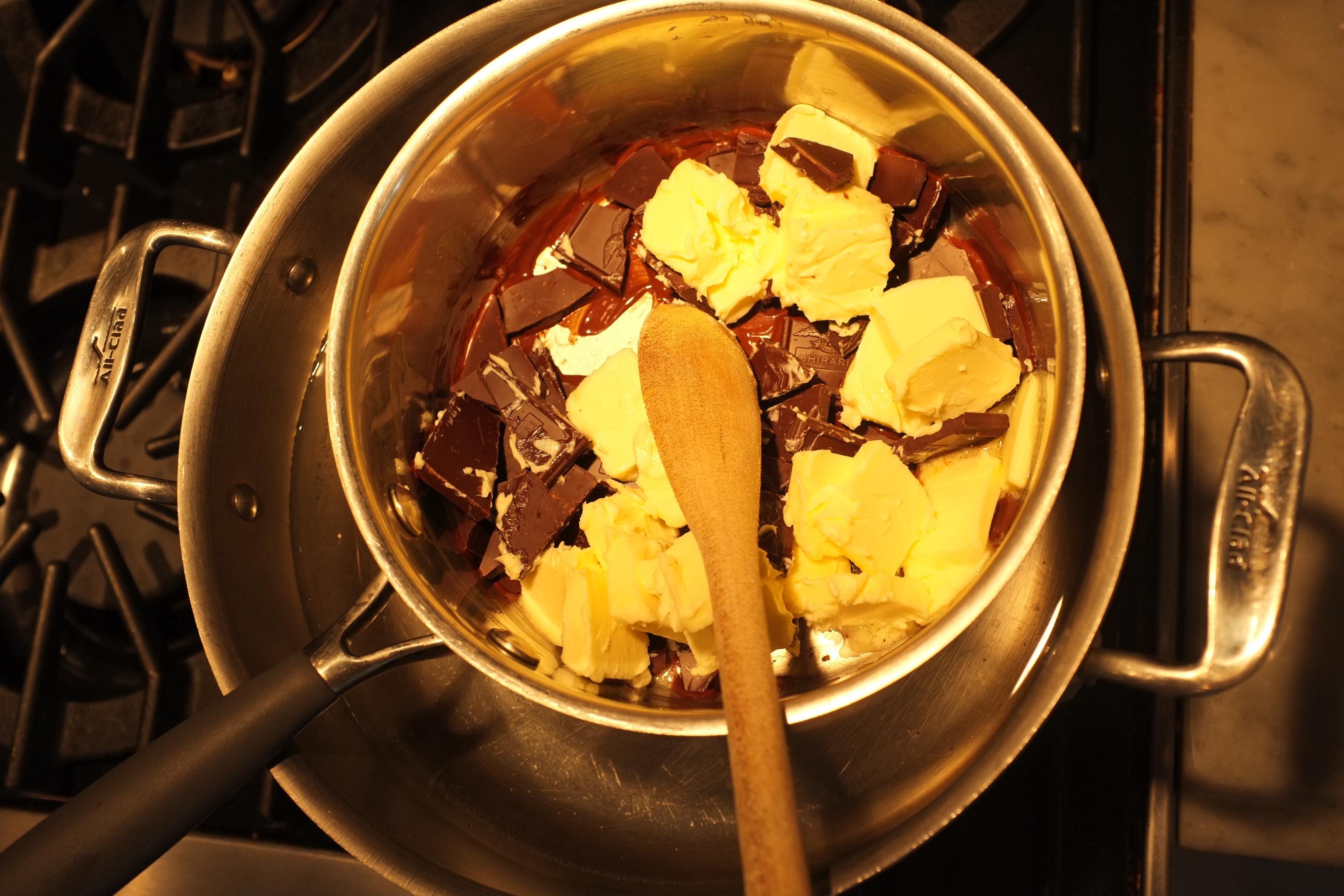 Delicieux Chocolat Au Bain Marie #6: Le Chocolat Et Le Beurre Fondent Au Bain Marie