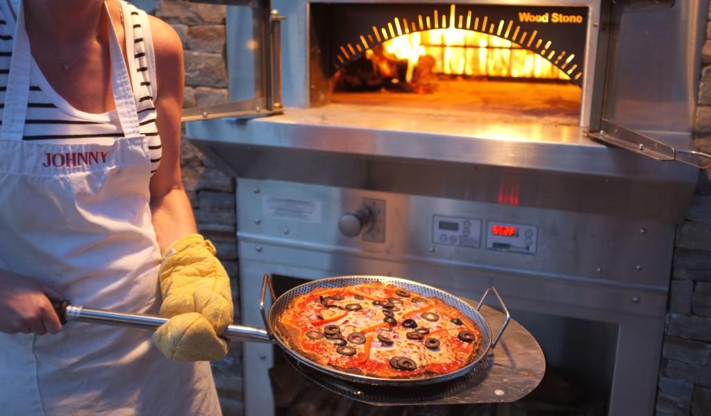 Voilà ma pizza sans gluten ! Cuite en 4 mn...