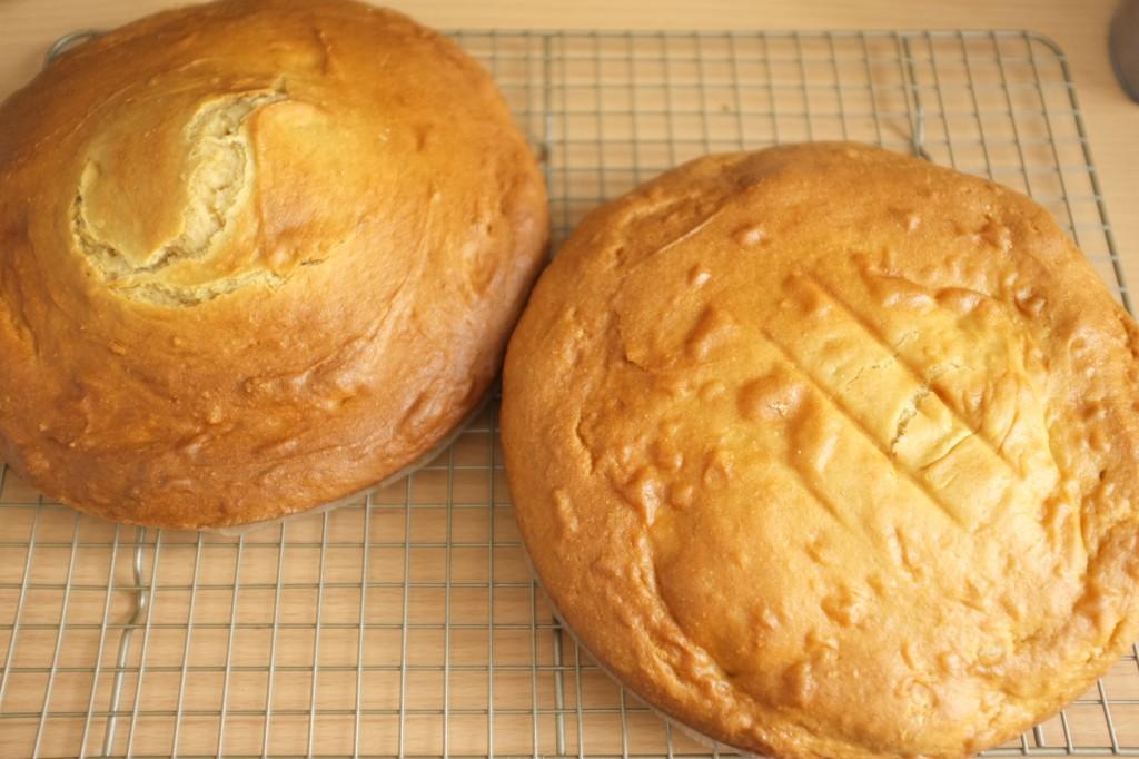pendant que es gâteaux refroidissent sur une grille, je prépare le glaçage...