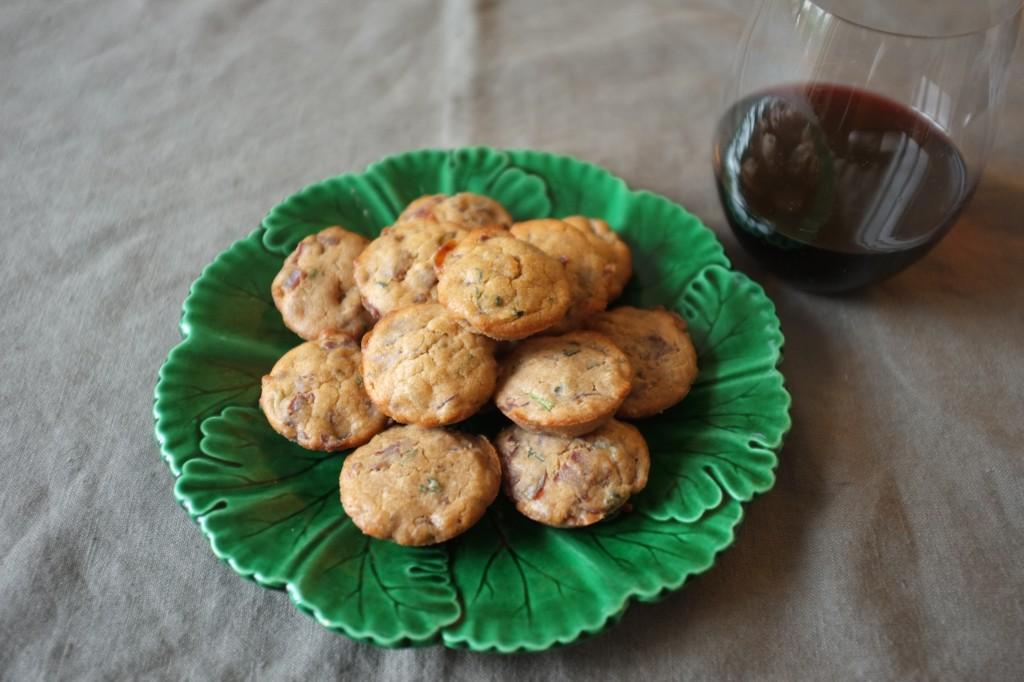 Ces mini cakes accompagnent parfaitement un bon vin rouge