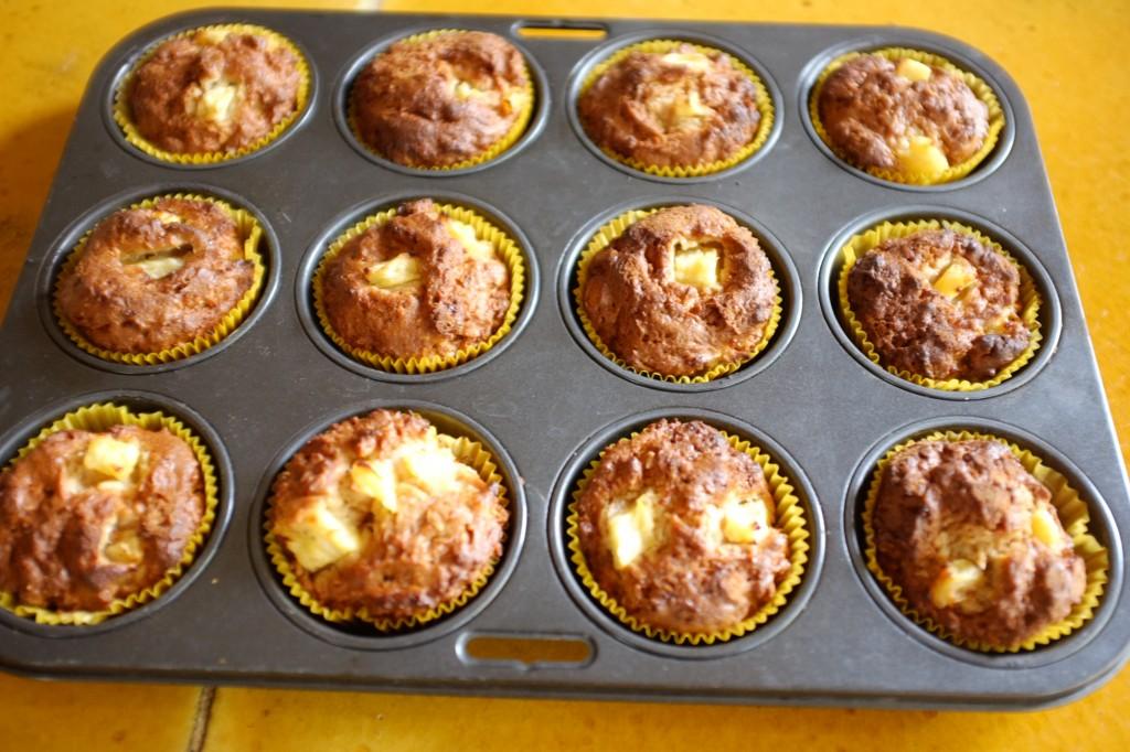 Les muffins ananas et noix de coco à la sortie du four