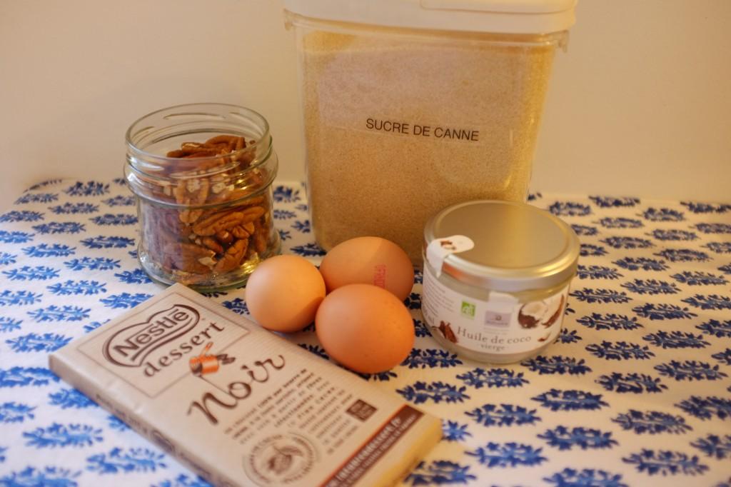 Les ingrédients pour le mélange chocolat et noix de pécan