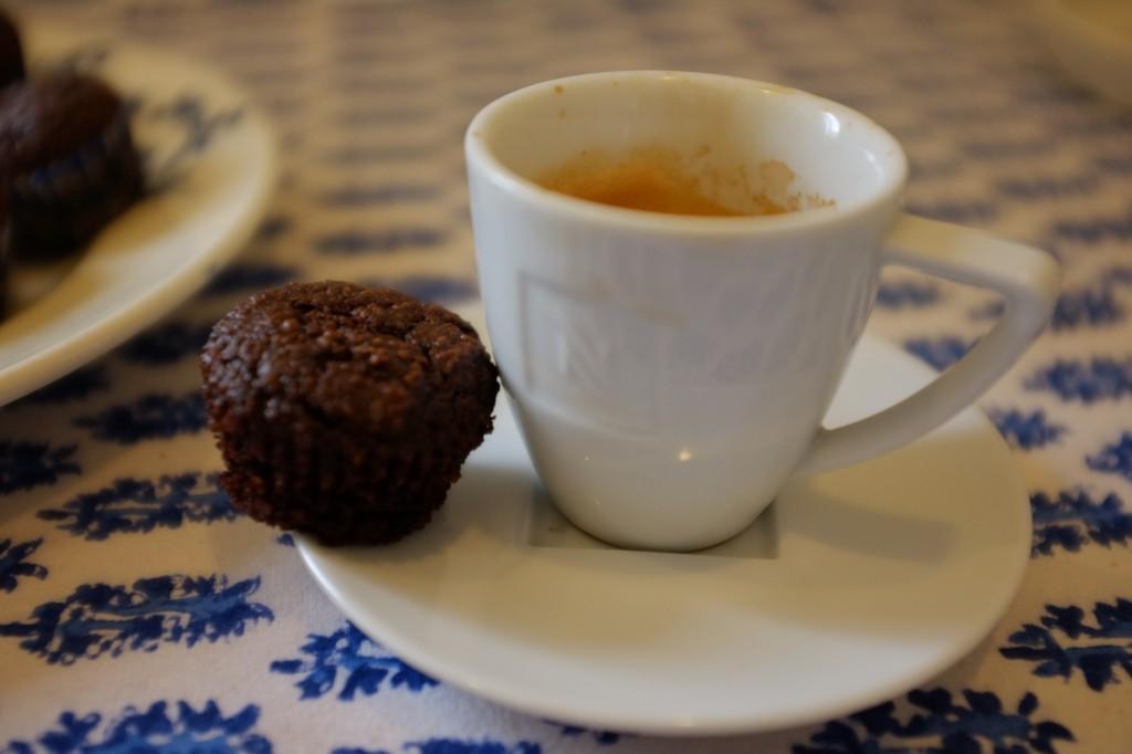 le mini muffin expresso-chocolat pour accompagner le café du matin