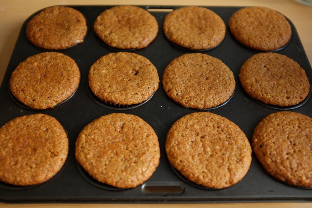 Les muffins à la sortie du four reste seulement 5 mn dans le moule en métal afin d'éviter de devenir détrempés.