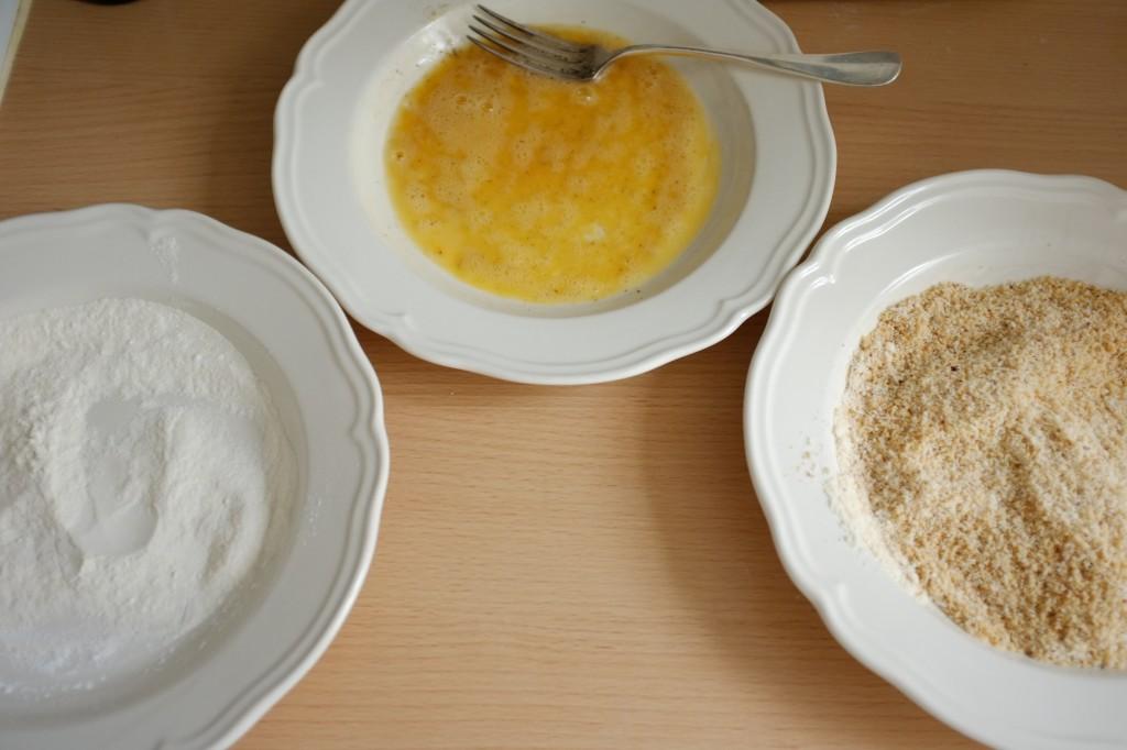 Les 3 assiettes pour paner les escalopes de poulet sans gluten