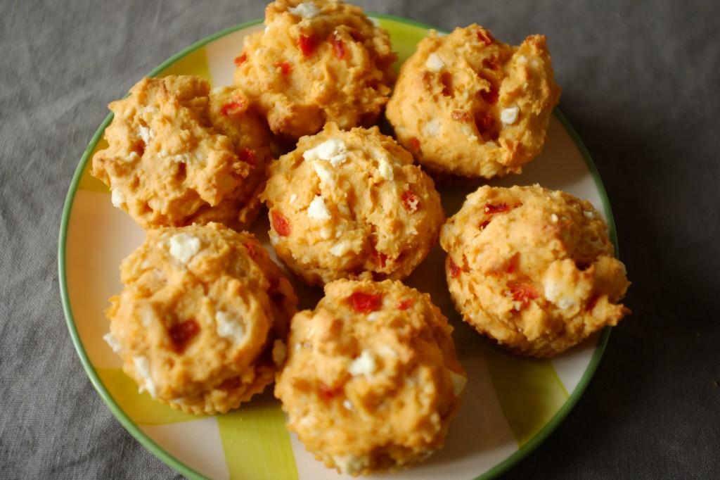 Les muffins sans gluten féta et poivron rouge pour l'apéritif