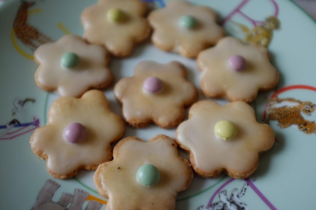 """Les biscuits sans gluten """"marguerite"""" pour un goûté d'enfants"""