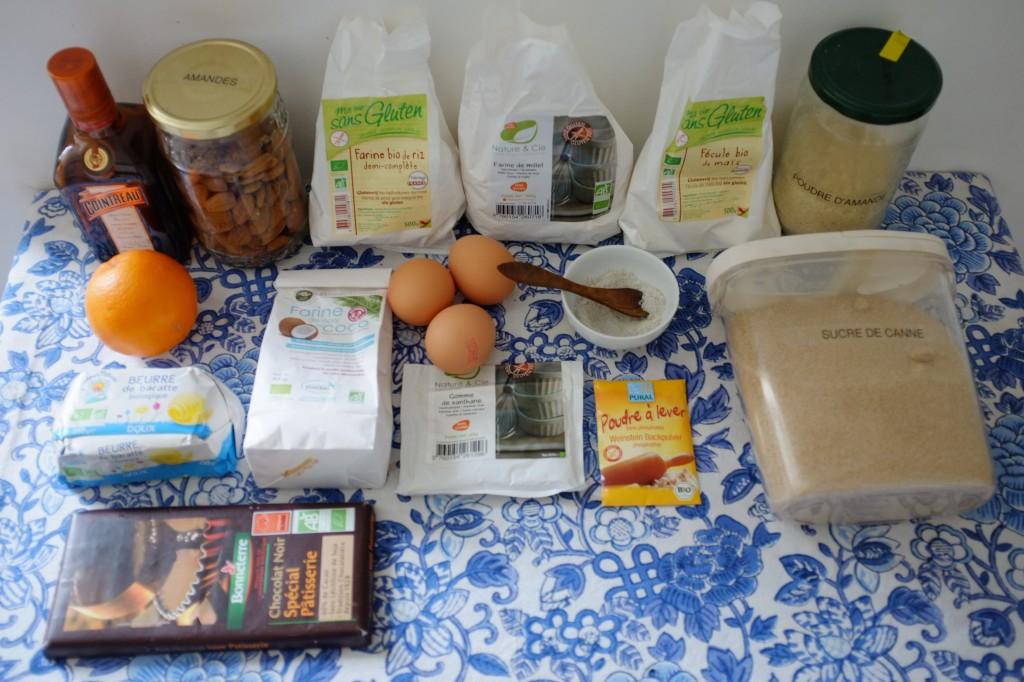 Les ingrédients pour les biscotti sans gluten à l'orange, amande et chocolat noir
