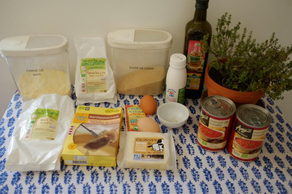 Les ingrédients sans gluten pour les muffins maïs et cheddar, et la soupe à la tomate sans gluten