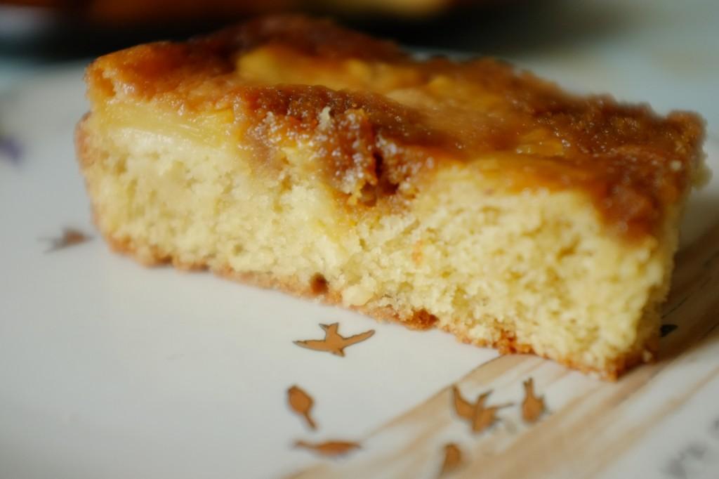 le gâetau renversé sans gluten à l'ananas, fruité et caramélisé