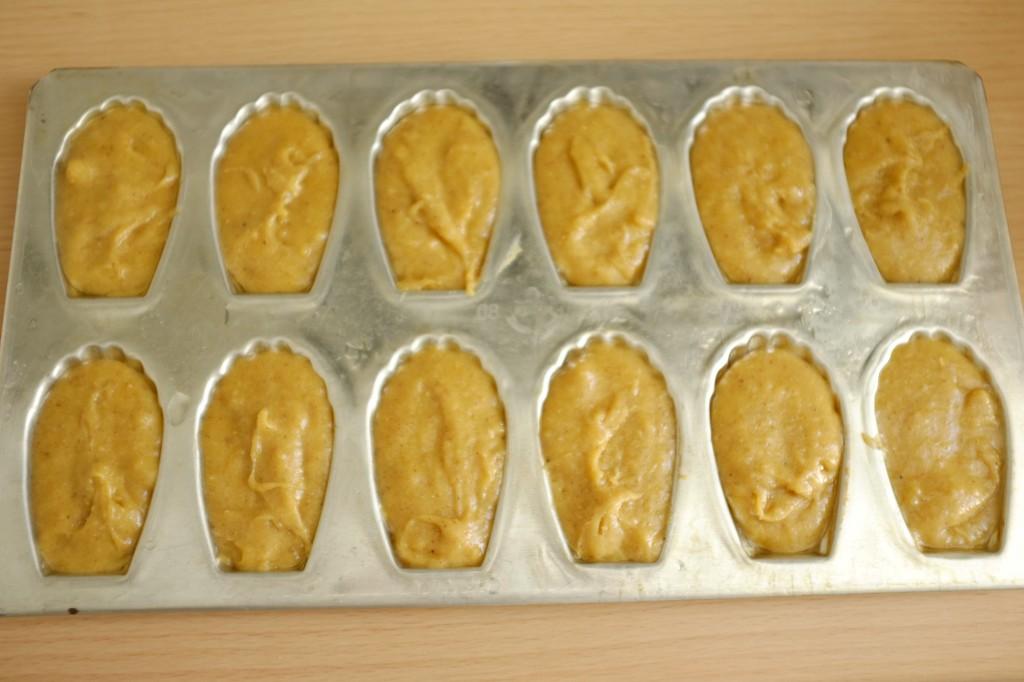 Les madeleiene sans gluten à la farine de souchet avant d'être enfournées