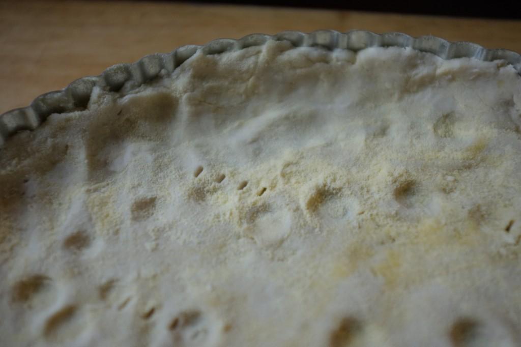 La pizza de Chicago a des rebords et la pâte est étalée assez épaisse