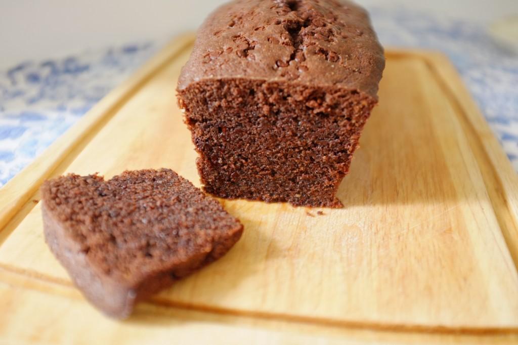 Le cake sans gluten aux deux chocolats