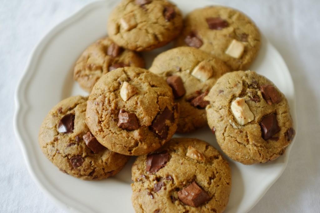 Les cookies sans gluten aux 3 chocolats prêt à être dévorés