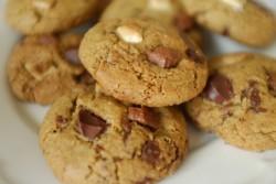 recette sans gluten de cookie 3 chocolats: noir, blanc et au lait