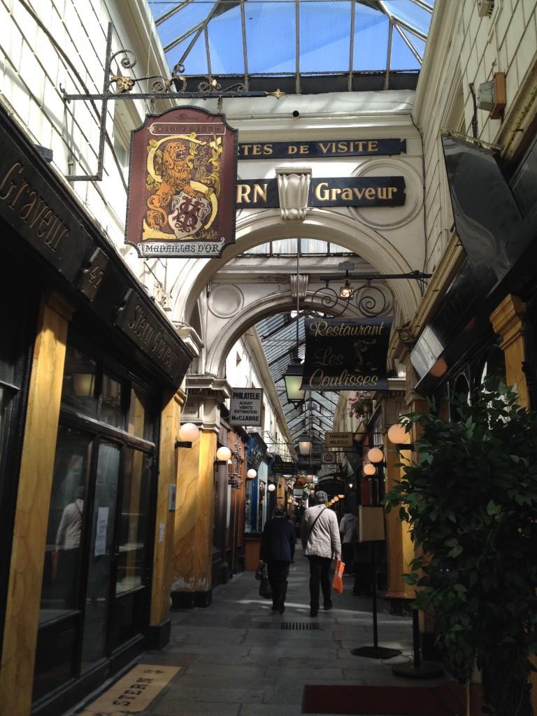 Le beau passage des Panoramas, où se trouve le restaurant Noglu