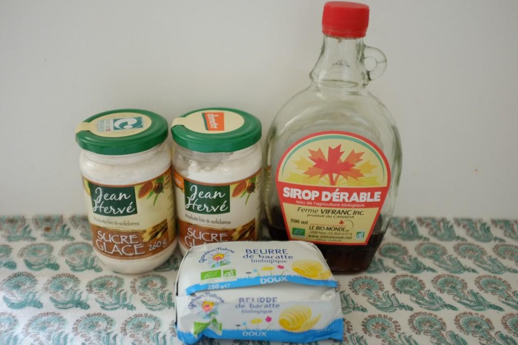 Les ingrédients sans gluten pour le glaçage au sirop d'érable