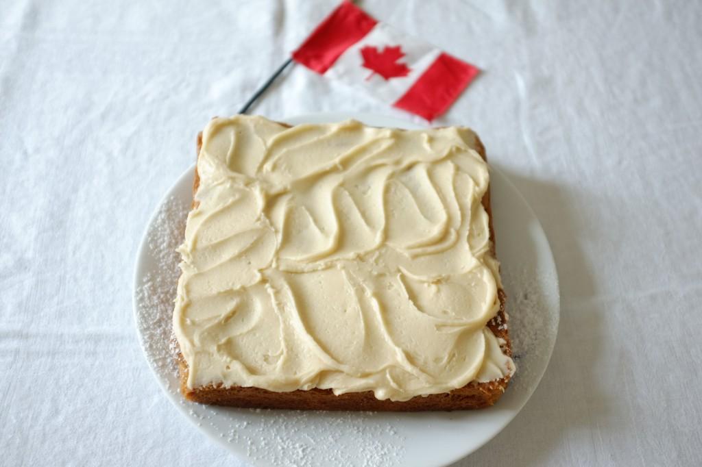 Le gâteau sans gluten au sirop d'érable pour la fête national du Canada