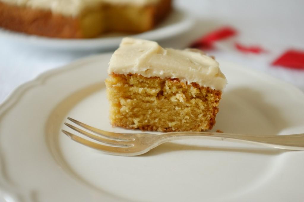 Le gâteau sans gluten au sirop d'érable pour le Fête Nationale du Canada