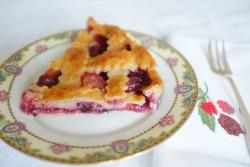 recette sans gluten de tarte tressée framboise, pèche et myrtille