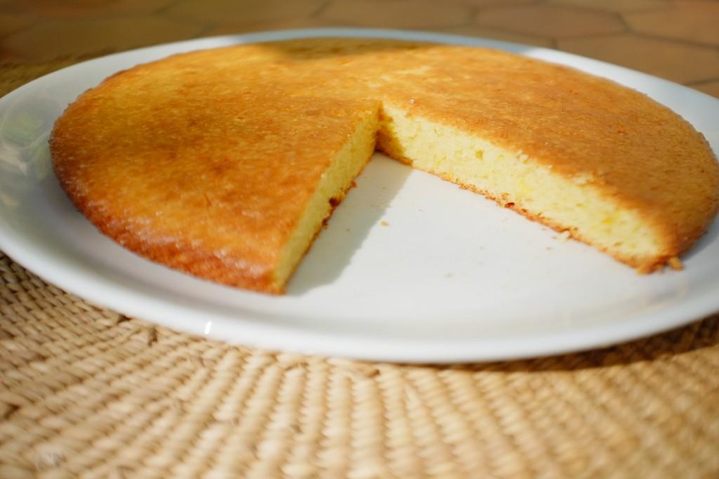 Le gâteau sans gluten à l'orange, moelleux et parfumé pour le goûter.