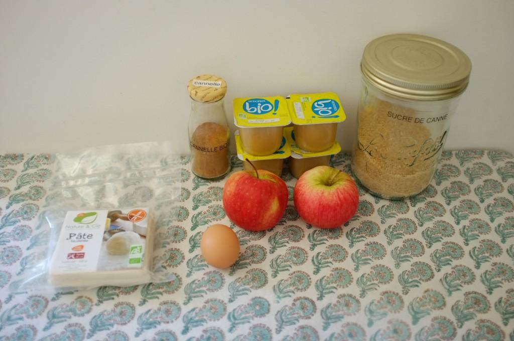les ingrédients pour les chaussons aux pommes sans gluten, attention je n('ai finalement utilisé qu'une seul pot de compote et 1 seule pomme.
