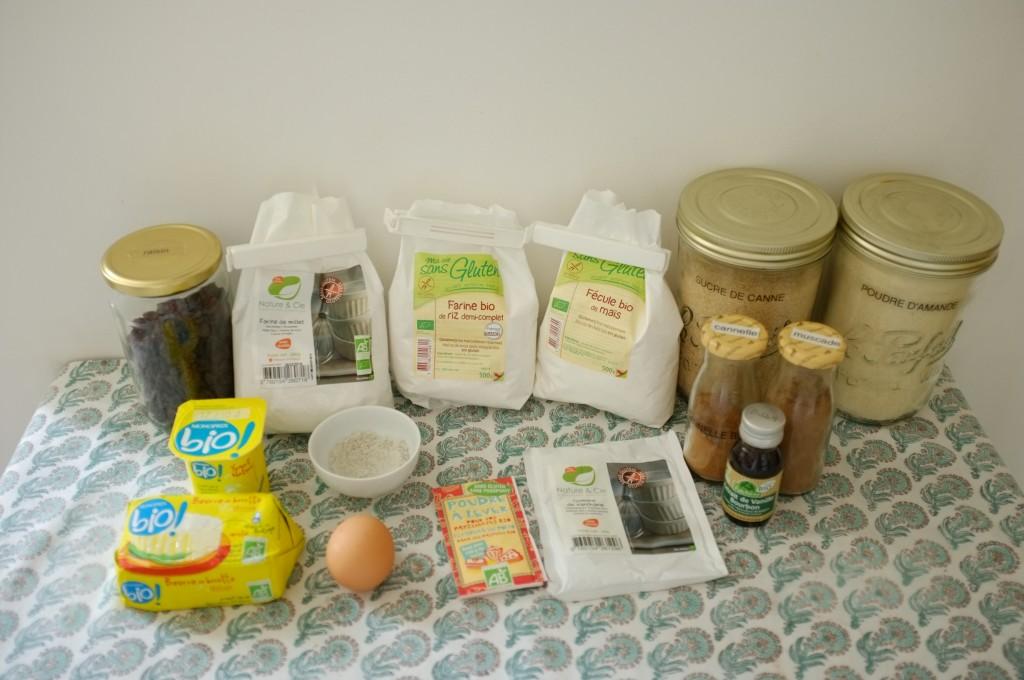 Les ingrédients sans gluten pour les scones raisins et cannelle