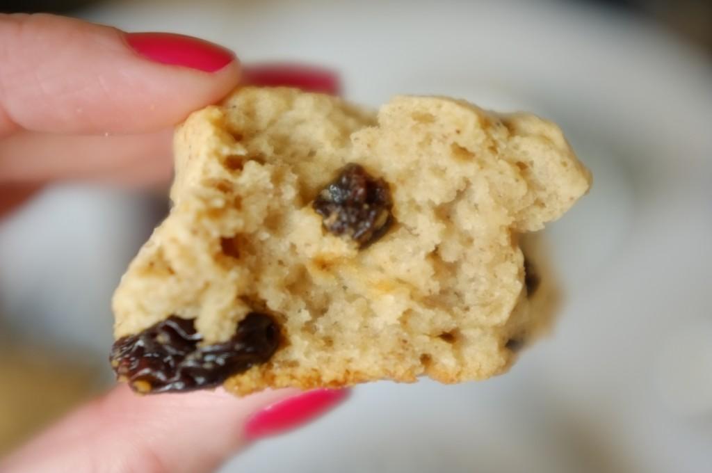 le scone sans gluten raisin et cannelle est très tendre dedans