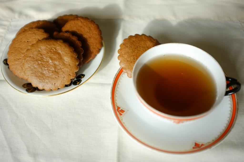 Les biscuits sans gluten orange-cannelle pour accompagner le thé