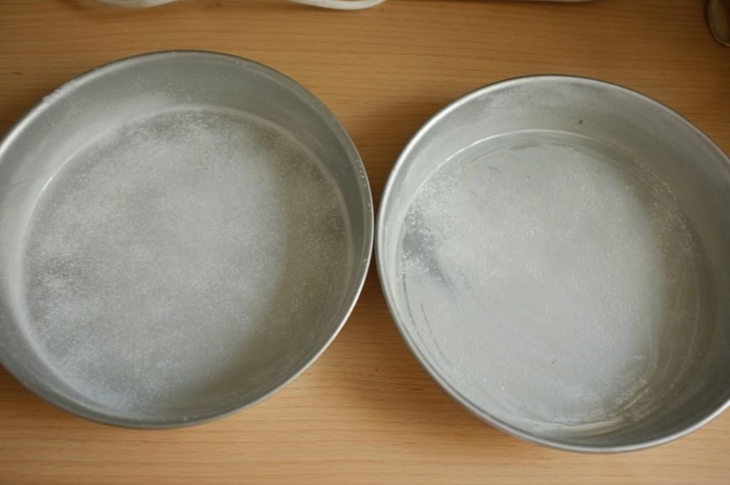 Les moules sont simplement beurrés et farinés avec de la farine de riz...