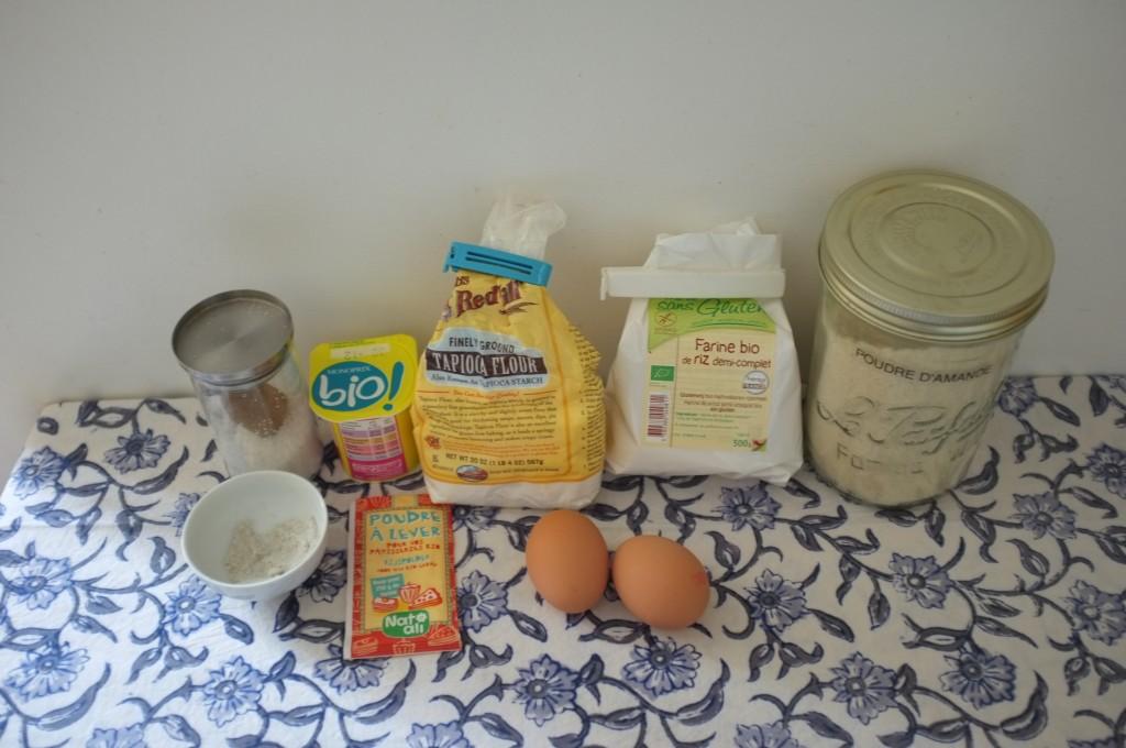 les ingrédients sans gluten pour cuisiner 2 petites baguettes de pain