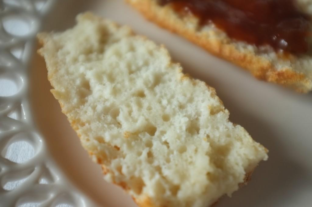 De la vrai mie de pain toute moelleuse pour des tartines