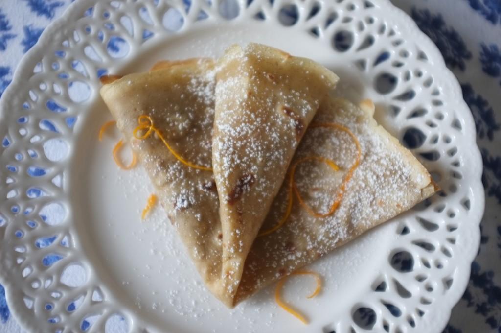 La crêpe légère sans gluten, simplement saupoudrée de sucre glace et de zeste d'orange