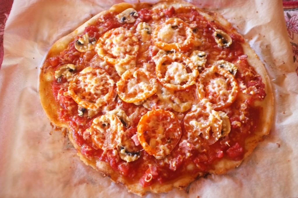 La pizza sans gluten avec le mix Soleil Vie à la sortie du four