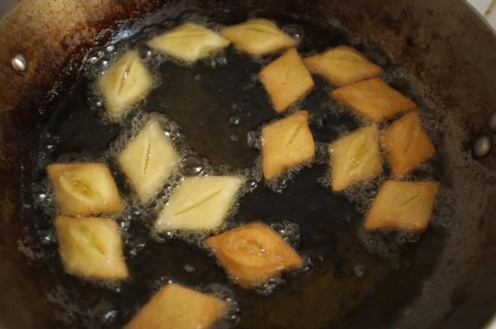 Les petites merveilles dans la friture dorent rapidement...il faut bien surveiller.