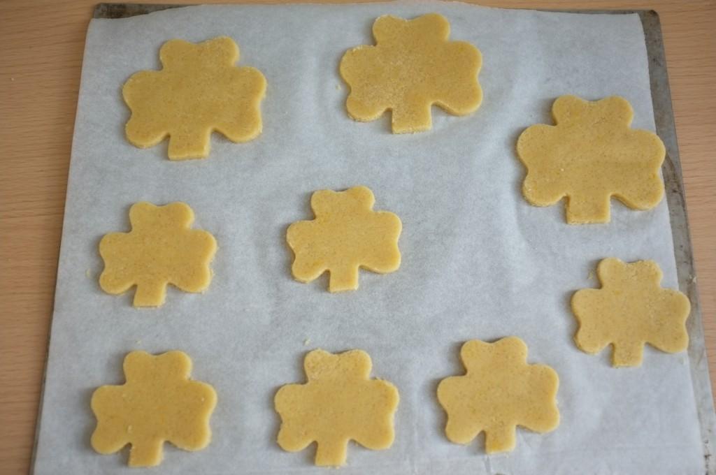 Les cookies sans gluten Saint Patrick avant d'être enfournés