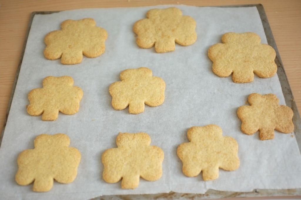 Les cookies sans gluten Saint Patrick à la sortie du four