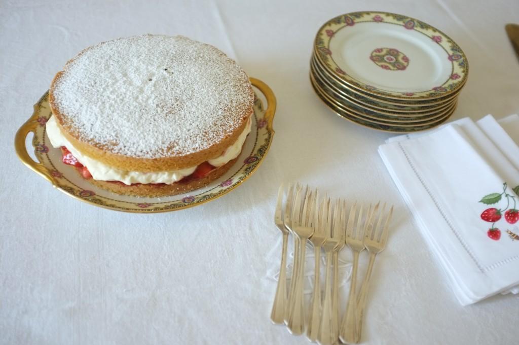 Le gâteau sans gluten Victoria pour le accompagner le thé.