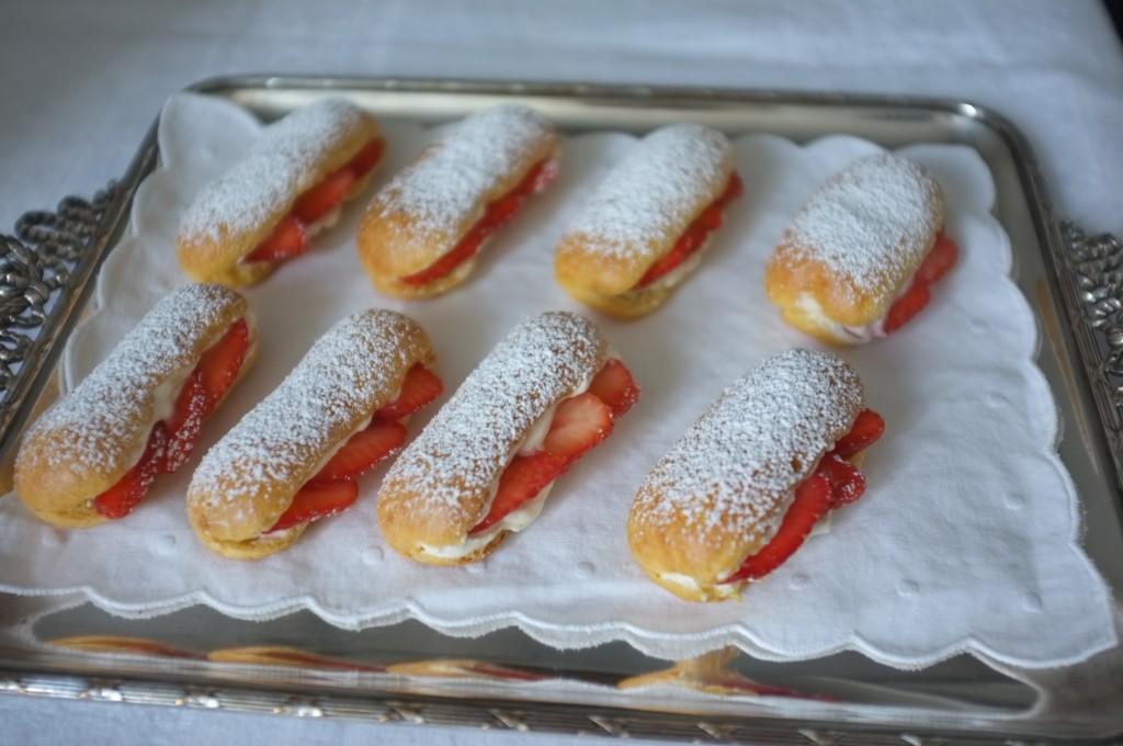 Les mini éclairs sans gluten à la fraise pour la fête des mères