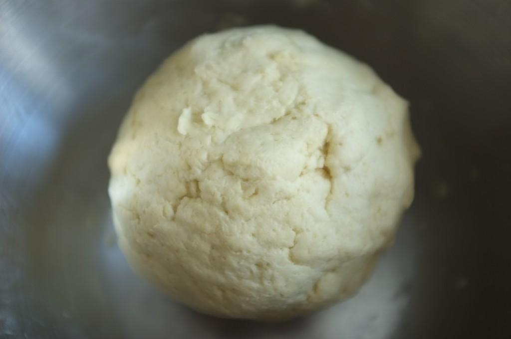 La pâte sans gluten des tacos mexicain cohadère et est légèrement collante mais pas trop humide.