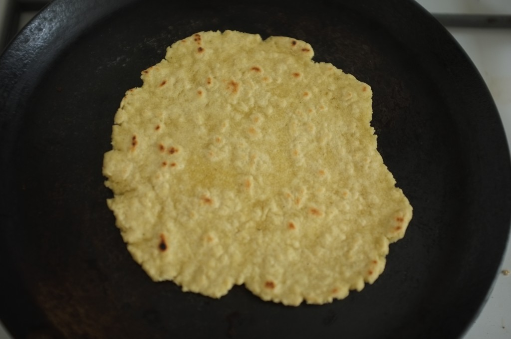 La tortilla sans gluten cuit à la poêle