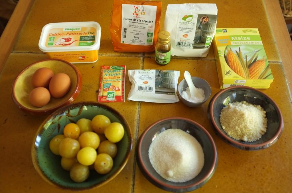 les ingrédients sans gluten ni lactose pour le gâteaux aux prunes jaunes