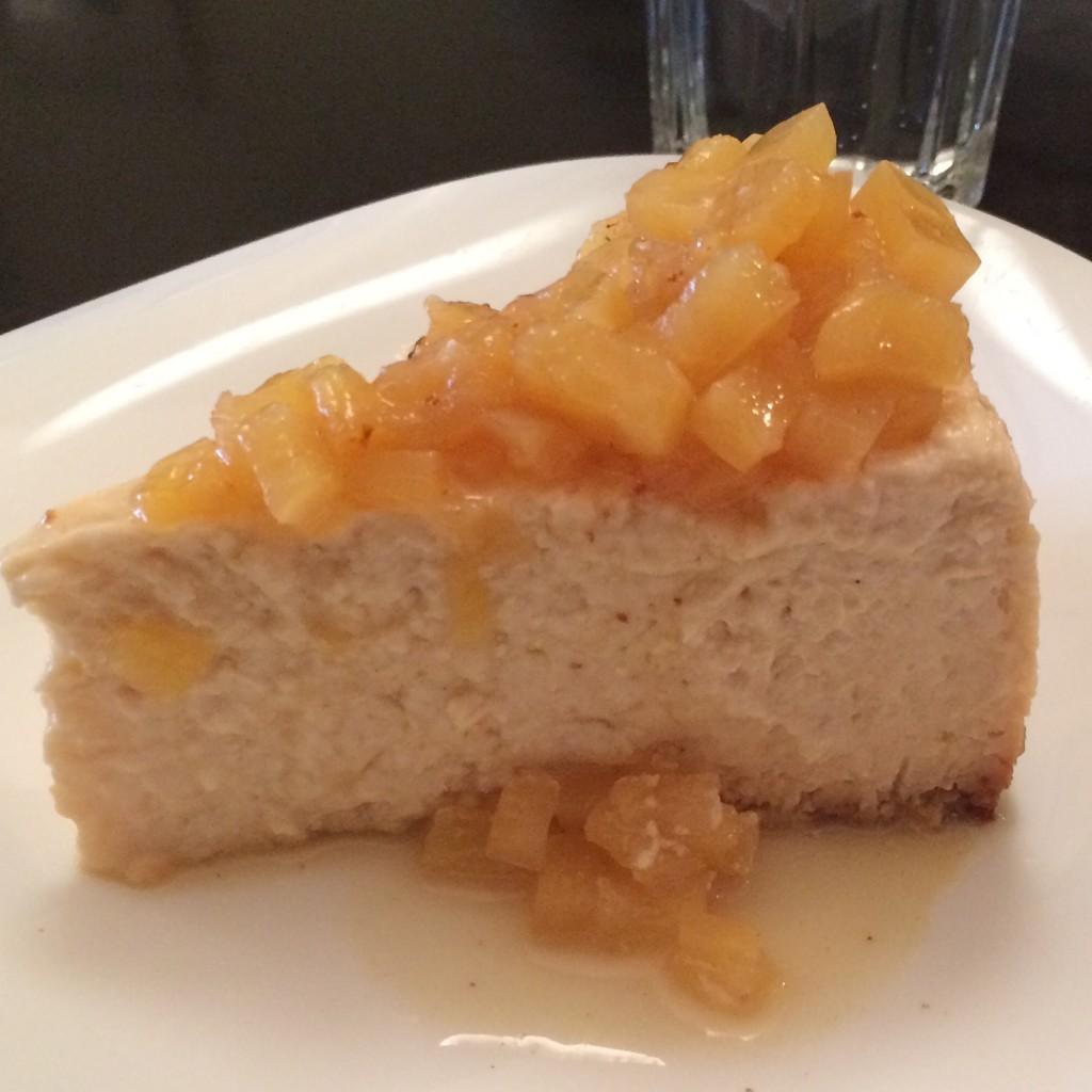 """Mon goût pour la noix de coco n'est un secret pour personne sur mon blog, à New York, je choisi forcément le """"coconut Cheesecake"""""""