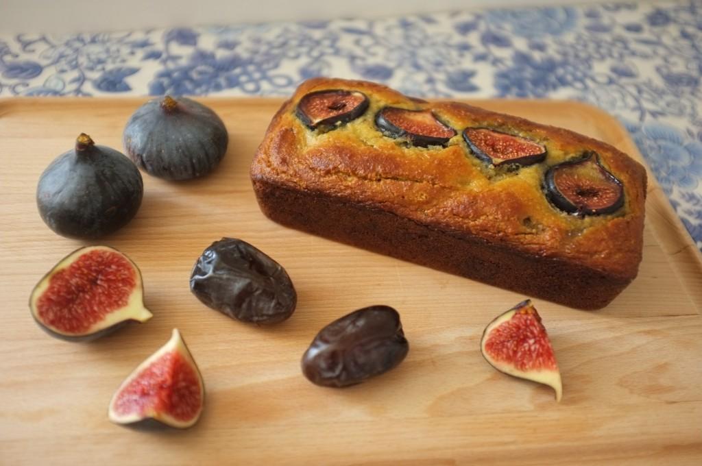le pain sans gluten amande, dates et figues pour accompagner le petit déjeuner ou le goûter